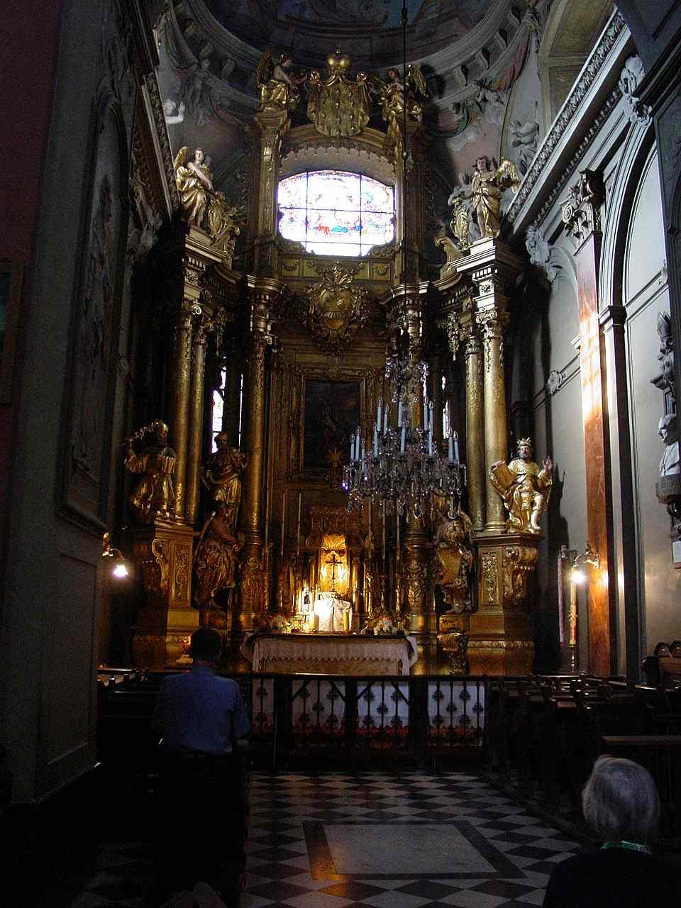 Lwow-KatedraLacinska-wnetrze1