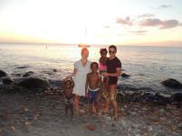 nic_davidson_sunset-family-pic