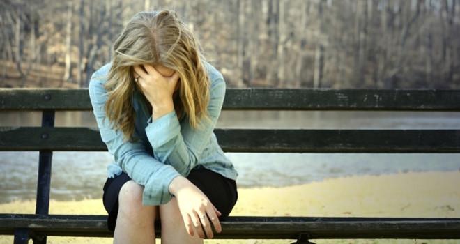 Alone-Sad-Girl-660x350-1465889560
